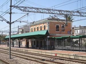 400px-Estació_d'Ulldecona_-_des_del_nord